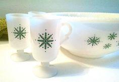 Vintage McKee Green Snowflake Punch Bowl with by TazamarazVintage