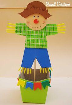 lembrancinha festa junina espantalho eva porta guloseima enfeite mesa criancas 1