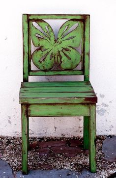 Green butterfly chair
