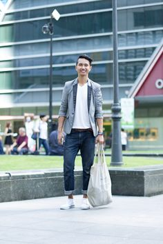 SHENTONISTA: An Organised Life, Hazwan, Student, T shirt from Topman, Jeans from Denizen, Shoes from H&M. #shentonista #theuniform #singapore #fashion #streetstyle #style #ootd #sgootd #shentonway #wiwt #popular #people #male #female #womenswear #menswear #Topman #Denizen #H&M