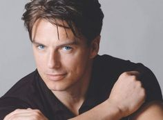 WOW, i can't believe that's mark harmon! you could swear this guy was related to michael weatherly.