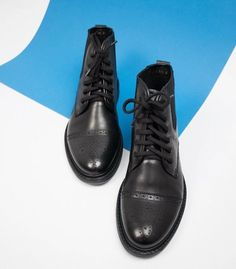 Men S Shoes, Dr. Martens, All Black Sneakers, Combat Boots, Fashion, Moda, Fashion Styles, Fashion Illustrations