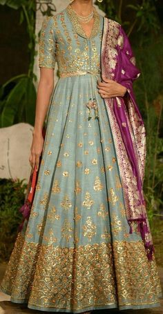 Wedding Dresses Pakistani Color Combos New Ideas Pakistani Wedding Dresses, Indian Dresses, Indian Outfits, Dress Wedding, Indian Attire, Indian Wear, Sari, Look 2018, Lehenga Designs