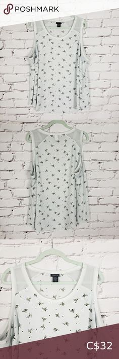 Torrid White Bee Tank Top This fun tank top from Torrid is white with a bee print. It has a white ribbed trim at the neckline and arm holes. It is in good used condition. It is a Torrid size 2 which is equivalent to 2X torrid Tops Tank Tops Jean Button Up Shirt, Yellow Skinny Jeans, Tan Chinos, Best Tank Tops, Plus Fashion, Fashion Tips, Fashion Trends, Lace Sleeves, Torrid