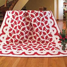 Infinite Possibilities: FREE Red & White Lap Quilt Pattern Download - what a BEAUTIFUL quilt!  :)