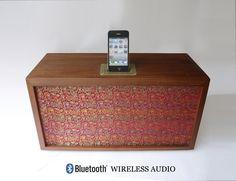 Bluetooth+Wireless+Speaker+and+Iphone4+/+Ipod+Dock++by+BoscaBosca,+€348.49