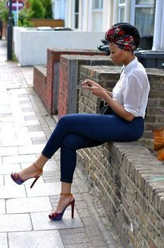 Turban with skinny jeans African outfits have crossed all fashion lines and black African girls killing it with their confidence and extraordinary look. African clothing fabrics are Look Fashion, Girl Fashion, Fashion Outfits, Womens Fashion, Fashion Trends, Fashion Ideas, Ladies Fashion, Fashion Styles, Fashion Boots