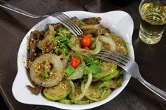 Japchae, Carne, Meat, Ethnic Recipes, Food, Chicken Madeira, Tapas Food, Entry Ways, Cow