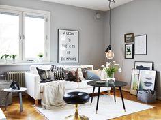Stadshem säljer en lägenhet på Drivhusgatan 13. Jag gillar det här vardagsrummet.