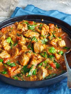 Rask lammecurry med spinat Indian Food Recipes, Ethnic Recipes, Kung Pao Chicken, Beverages, Curry, Food Porn, Food And Drink, Dinner, Inspiration