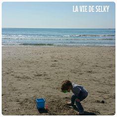 Selky revient sur sa semaine, en mots et images, avec de la danse hypnotique, de la bougie, de la famille, de château de sable et de la baby shower insaïde