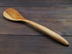 Kitchen wooden spoon spatula from cherry,wooden spoons,kitchen wooden utensils,wood spatula,cooking spoon,carved wooden spoon,stirring spoon  Кухонная ложка лопатка из древесины вишни для различных целей. Она станет вашей помощницей на кухне во многих делах. Помешивание , смешивание ингредиентов, попробовать готовящееся блюдо и тд. Длина этой ложки 12 дюйма (30,5 см). Ширина примерно: 2,7 ( 7 см).  Ложка поставляется в оригинальной сумке ручной работы. Прекрасный подарок!   Деревянные ложки…