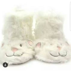 Perfect for keeping tiny toes cozy and warm How cute and fuzzy are these little lamb slippers!! Just $15.00 sizes 1 to 3 (0 to 18m) available and ready to ship!  Leave email & size below to order