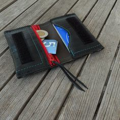 Mens recycled wallet made from bike inner tube wallet