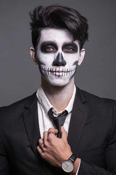 Halloween Makeup Ideas For Men That You Can Easly Copy Men Halloween, Joker Halloween Makeup, Joker Makeup, Scary Makeup, Clown Makeup, Face Makeup Art, Zombie Makeup Easy, Carnival Makeup, Makeup Ideas