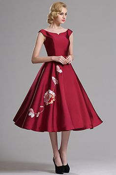 Red Sleeveless Floral Embroidered Short Party Dress (04161117)
