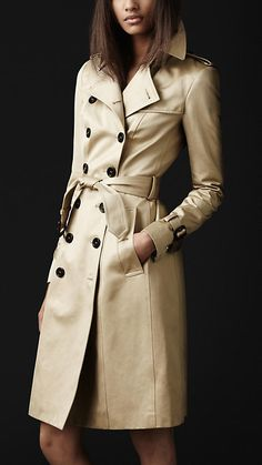 Burberry long cotton sateen trench coat for Autumn/Winter 2012
