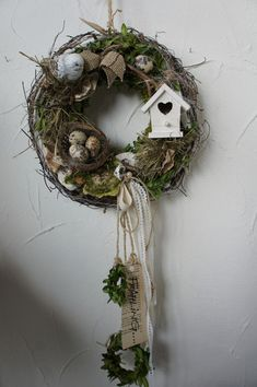 Fantastic door wreaths - spring garland door in this bird villa . Fantastic door wreaths - garland door spring in this bird villa . - a designer . Diy Spring Wreath, Summer Door Wreaths, Easter Wreaths, Diy Wreath, Christmas Wreaths, Christmas Decorations, Stick Wreath, Spring Projects, Easter Crafts