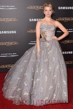 Natalie Dormer in Vivienne Westwood Couture at The Hunger Games: Mockinjay Los Angeles Premiere