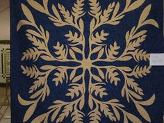 Kapa Apana or Hawaiian Quilt...luv this quilt!!!  It is called Evelyn Rose's Heliconia named after the quilter.