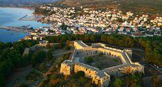Kalamata Pylos-Methoni Day Trip from Costa Navarino in Greece Europe Greek Castle, Greece Resorts, Greek Culture, Greece Holiday, Paradise On Earth, Luxury Holidays, Roadtrip, Ancient Greece, Greece Travel