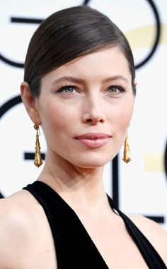 Jessica Biel from 2017 Golden Globes' Best Beauty Looks  The actress proved that a classic winged liner is best worn alone.