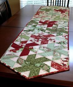 Christmas Peppermint Table Runner | Craftsy