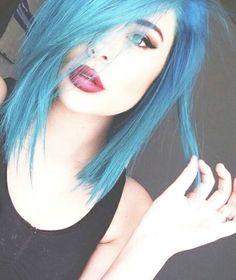 definitely gonna dye my hair blue instead of pink next summer. so cute!