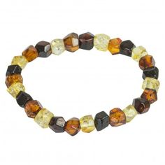 Bracelet adulte avec des pierres d'ambre taillé multicouleur. Longueur pierre: 0.6 cm Circonférence: 18 cm Poids approximatif: 7 - 8 grammes