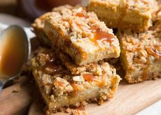 Pumpkin Bars with Streusel Topping - http://www.popularaz.com/pumpkin-bars-with-streusel-topping/