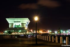 横浜の夜景 街灯 ガス灯の面影を残している