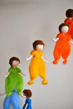 Los niños móviles Waldorf inspirado: el arco iris colores