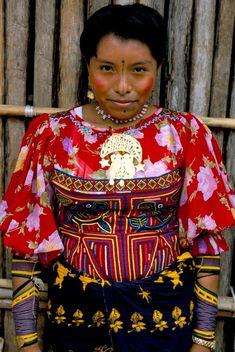 Kuna Woman from the Kuna Yala Community, San Blas Islands, Panama.