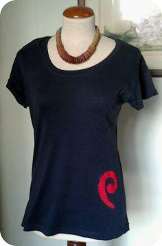 T-shirt recon: Debian swirl reverse appliqué