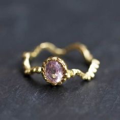 Ondine ring with a pale pink spinel by Hélène Delalande Courtaigne for Jewelry Designers Workshop.