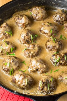 Swedish Meatballs | Art and the Kitchen -delicious meatballs smothered in a rich creamy gravy.