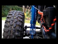 SCX10 Upgrades test on Backyard Trail - King Shocks, RC4WD tires, Axial ...