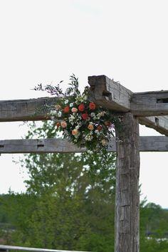 #ceremonyflowers#weddingflowers#archdecor#arbourdecor#roses#rusticwedding#bradfordgreenhouses