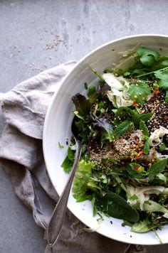 Shawarma Spice & Herb Salad w Tangy Fennel Kicks + Black Quinoa! Vegan and SO tasty! @ www.Earthsprout.com
