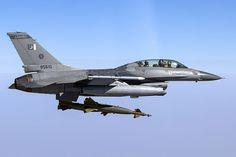 Pakistan Air Force F-16 dropping GBUs.