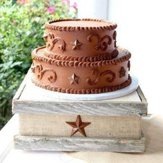 Rustic Fleur de lis Cake Stand.