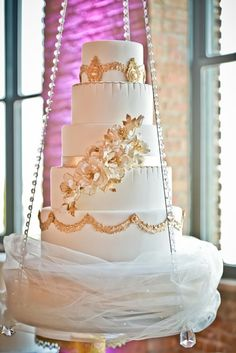 Chic and elegant purple wedding reception ideas. To see more: http://www.modwedding.com/2014/03/31/38-flower-adorned-wedding-cakes-for-a-spring-wedding/ #wedding #weddings #centerpiece #reception #bouquet #cake Wedding Cake made by: Elysia Root Cakes