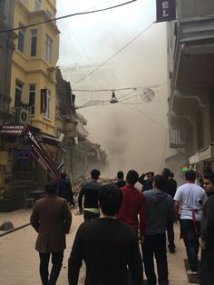 Welcome To Online News 411: Five Storey Building Collapsed In Istanbul, Turkey...