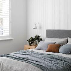 buzzworthyinteriors: Cold grey dayperfect for staying in. Home Bedroom, Master Bedroom, Bedroom Decor, Bedrooms, Bedroom Lighting, Bedroom Inspo, Bedroom Inspiration, Bedroom Ideas, Home Interior Design