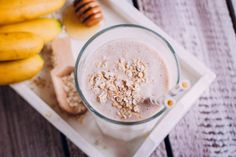 How to put on weight if you have a fast metabolism? Ways To Gain Weight, Gain Weight Fast, Put On Weight, Oat Smoothie, Protein Smoothie Recipes, Smoothies, Protein Shakes, Is Almond Milk Healthy, Health Shakes