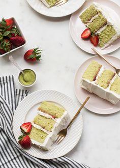 Matcha (green tea) genoise cake with strawberries and cream cheese whipped cream. Tea Cakes, Food Cakes, Cupcake Cakes, Cupcakes, Sweet Recipes, Cake Recipes, Dessert Recipes, Desserts, Genoise Cake