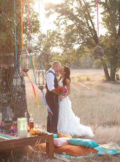 Eine inspirierende orientalische Hochzeit in Pink, Türkis und Violett | Friedatheres.com