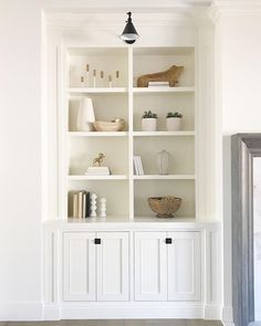 Built In Around Fireplace, Fireplace Built Ins, Built In Shelves Living Room, Built In Bookcase, Bookcases, White Bookshelves, White Shelves, Living Room Interior, Home Living Room