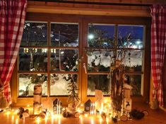 Weihnachtsdekoration Bauernstube im Hotel Tirolerhof Christmas Tree, Holiday Decor, Home Decor, Holiday Decorating, Christmas Decor, House, Teal Christmas Tree, Homemade Home Decor, Xmas Trees