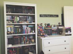 Books & Cupcakes January Book Photo Challenge || Day 11: Shelfie
